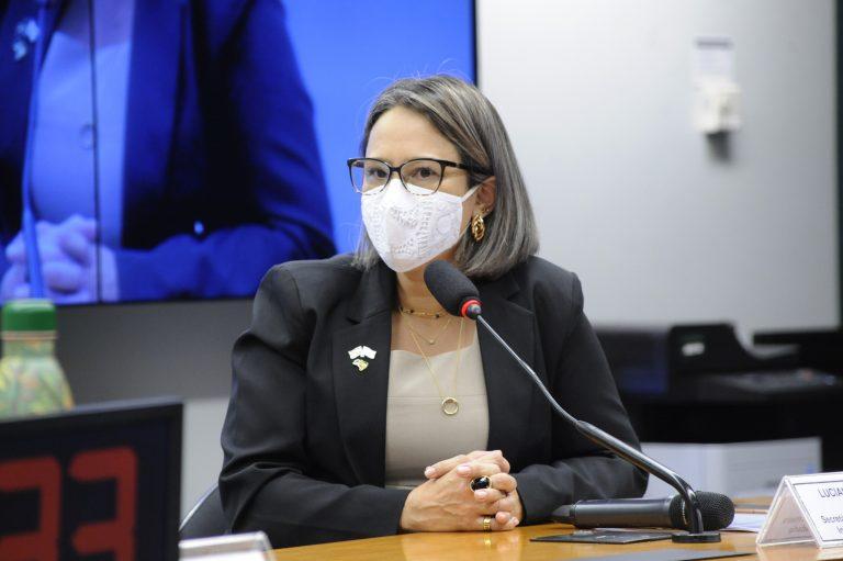 Luciana Siqueira, secretária Nacional de Atenção à Primeira Infância - Crédito: Gustavo Sales/Câmara dos Deputados