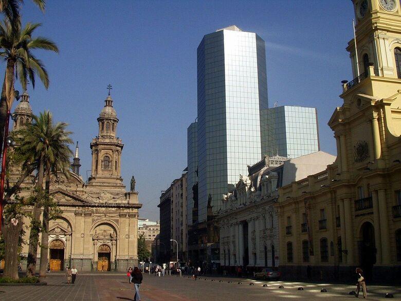 Chile chega a 1 milhão de casos de covid-19 e fecha fronteiras - Crédito: Divulgação
