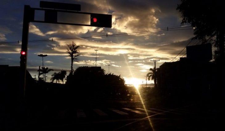 Quinta-feira de tempo firme e máxima de 35° para a região norte - Crédito: Edemir Rodrigues