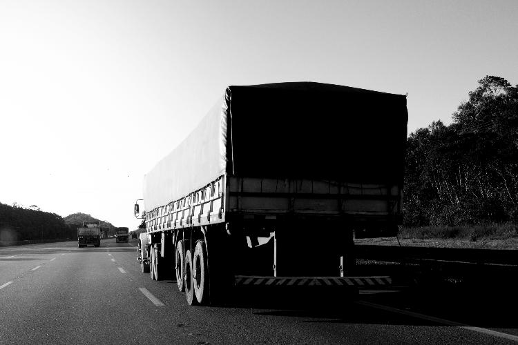 País registrou 14 mil ocorrências de roubos de cargas em 2020 -