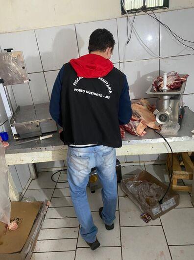 Comércio ilegal de carne é fechado durante operação em Porto Murtinho - Crédito: Polícia Civil