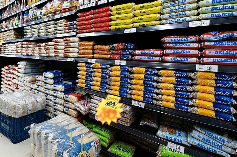 A proposta também prevê alíquota zero para vários tributos que incidem sobre os alimentos da cesta - Crédito: Marcos Oliveira/Agência Senado