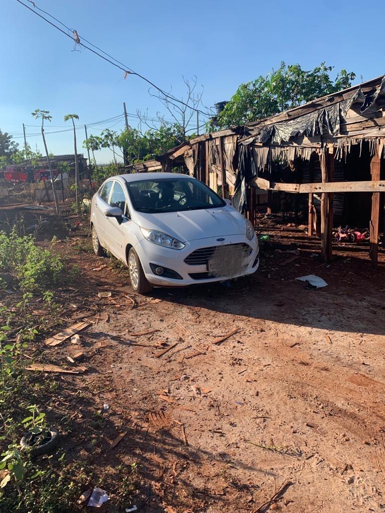 Polícia recupera na sitioca Campo Belo carro furtado em motel -
