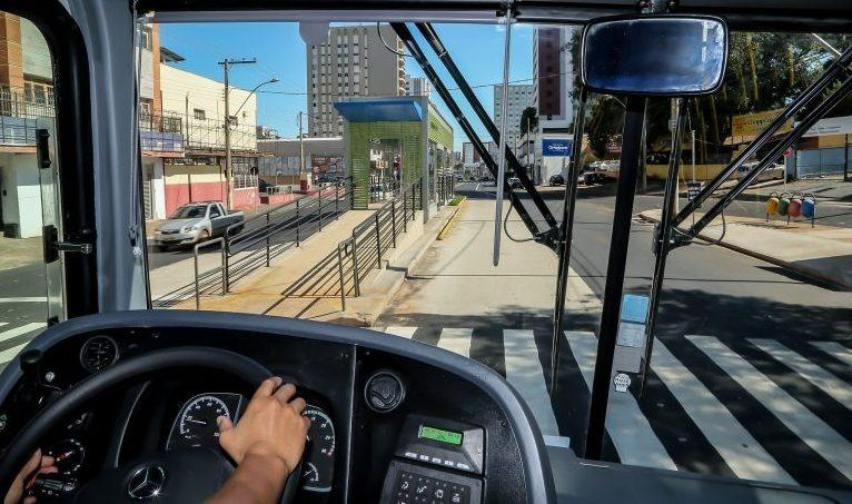 Comissão aprova projeto que aplica regras do caminhoneiro profissional aos motoristas de coletivos urbanos - Crédito: Agência Câmara de Notícias