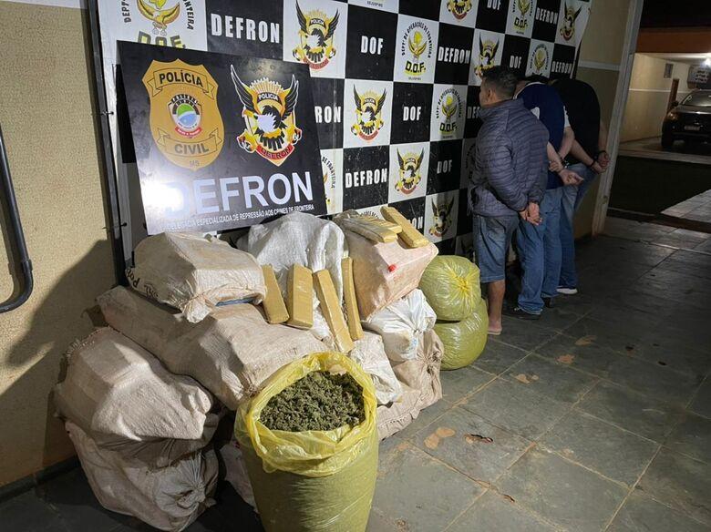 Defron apreende 3 traficantes e apreende droga em 'oficina mecânica' de fachada - Crédito: Divulgação
