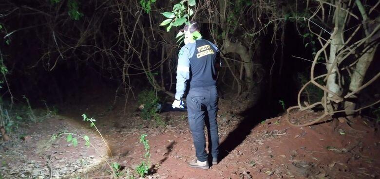 Mulher é rendida, levada para matagal e executada com tiro na cabeça - Crédito: Cido Costa