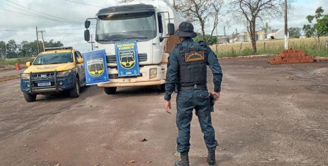 Polícia desconfia de nervosismo de motorista e apreende 8 toneladas de droga - Crédito: Divulgação