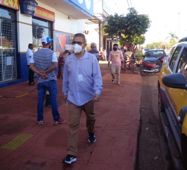 Procon intensifica fiscalização nas filas de estabelecimentos em Dourados - Crédito: Assecom