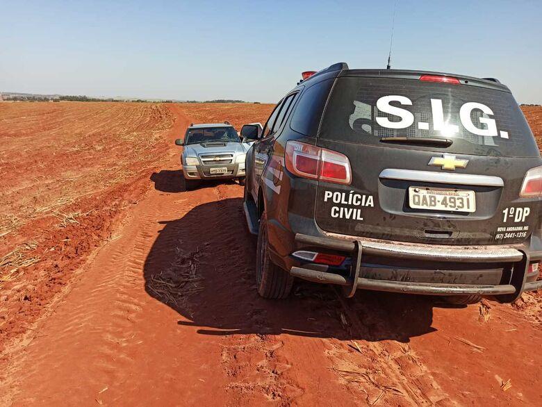 Caminhonete foi encontrada em uma área rural - Crédito: Divulgação/Polícia Civil