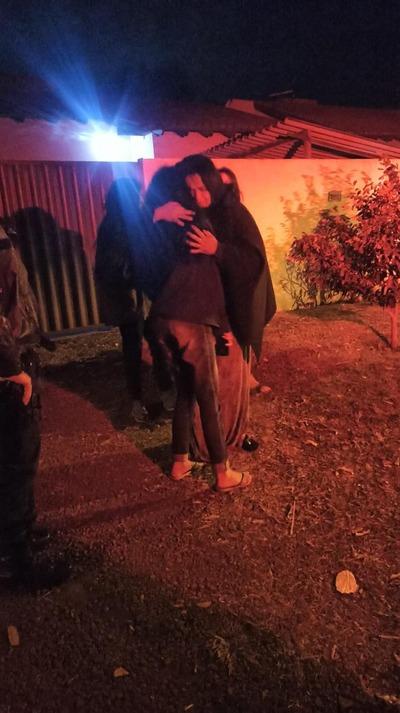 Polícia Militar encontra moça desaparecida e promove encontro com a família -