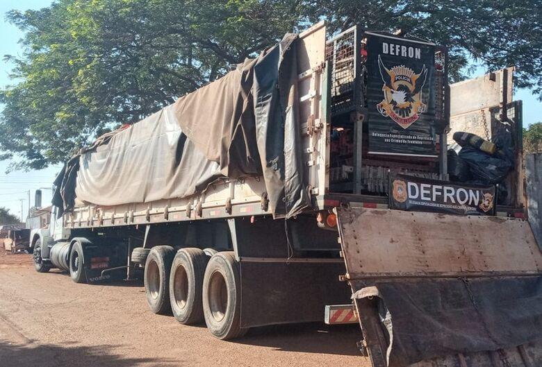 Defron apreende 825 kg de maconha em caminhão na BR-163 - Crédito: Cido Costa