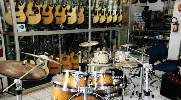 """Músicos que tocam em bares, eventos, igrejas e empresários que comercializam instrumentos e acessórios se preparam para """"novo normal"""" - Crédito: Divulgação"""