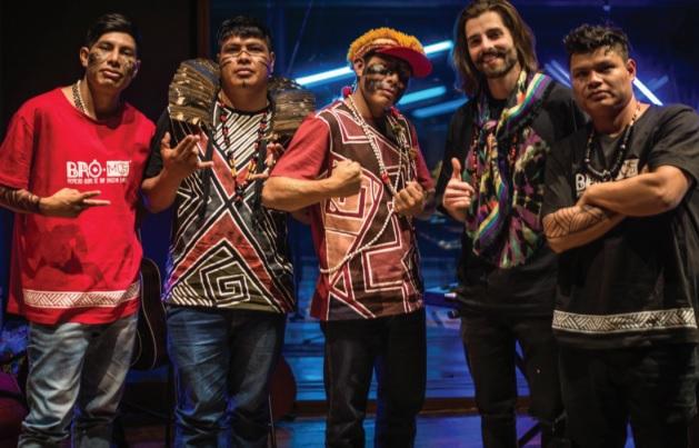 Primeiro grupo de rap indígena no Brasil, Bro MC´s grava música com Alok - Crédito: Divulgação