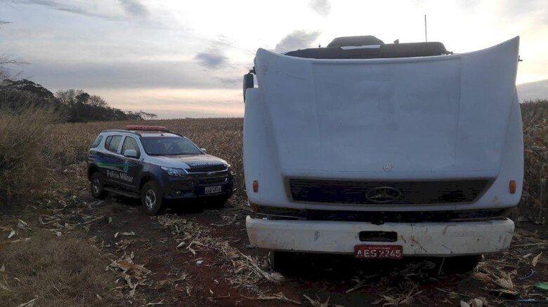 Caminhão furtado em Sidrolandia é recuperado pela PM em Itaporã - Crédito: Divulgação