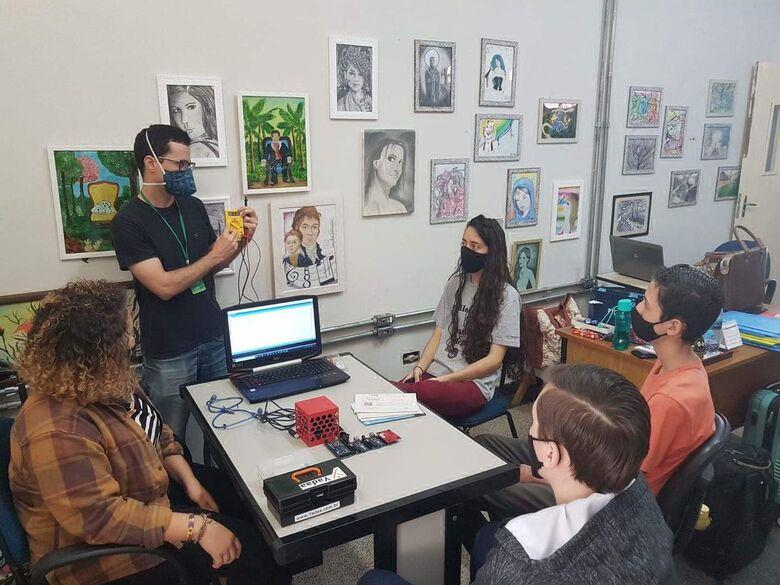 Em Dourados, os estudantes idealizadores do projeto são do Centro Estadual de Atendimento Multidisciplinar para Altas Habilidades/Superdotação (CEAM/AHS) - Crédito: Valéria araújo