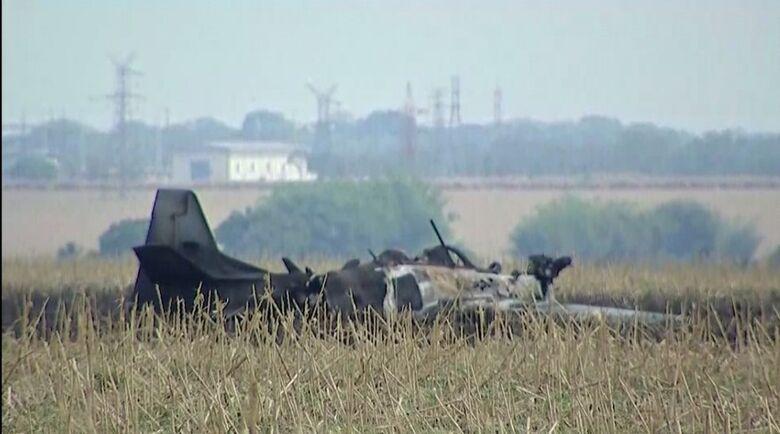 Avião cai em área de vegetação, em Campo Grande - Crédito: Maxsandro Martins/TV Morena