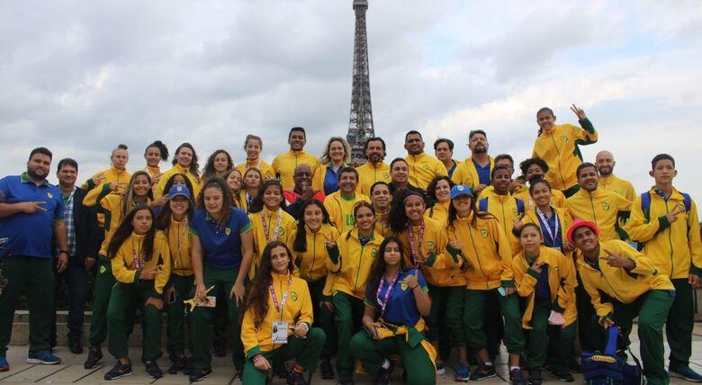 Delegação durante volta para o Brasil - Crédito: Divulgação