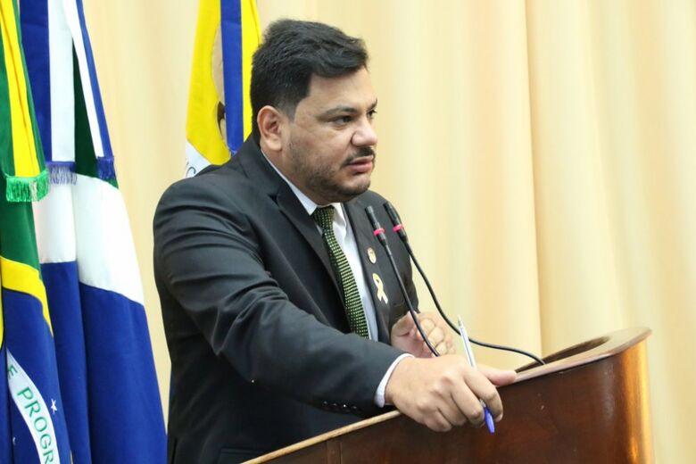 Mourão questiona a prefeitura sobre quando professores aprovados em 2016 serão efetivamente convocados - Crédito: Valdenir Rodrigues/CMD