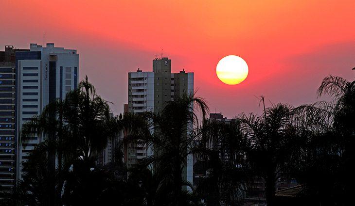 Terça de tempo firme com destaque para as máximas acima de 35°C em MS - Crédito: Chico Ribeiro