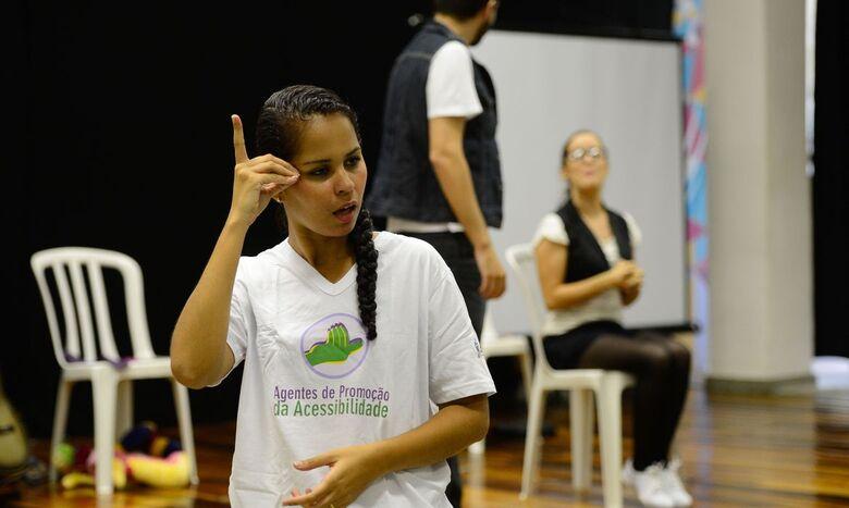 Surdos defendem Libras como segundo idioma oficial do Brasil - Crédito: Fernando Frazão/Agência Brasil