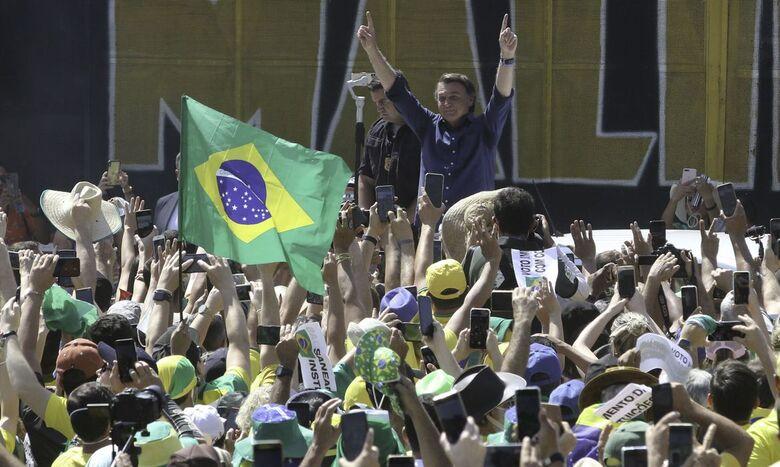 Presidente Bolsonaro participa de manifestação pró-governo em Brasília - Crédito: Fabio Rodrigues Pozzebom/Agência Brasil