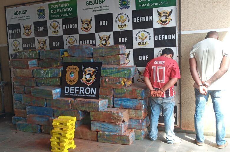 Dupla é presa com quase duas toneladas de maconha no Esplanada - Crédito: Cido Costa