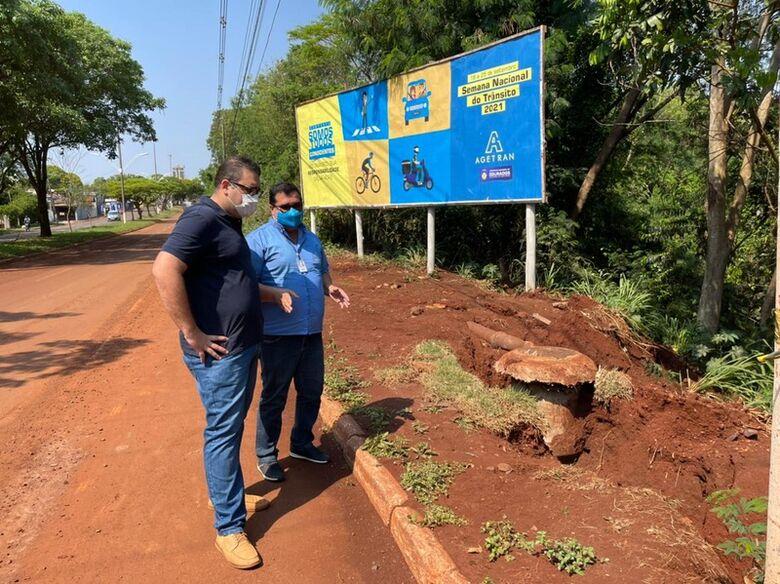 Prefeitura e Sanesul iniciam nesta sexta obra para solucionar erosão causada pela chuva na Presidente Vargas -