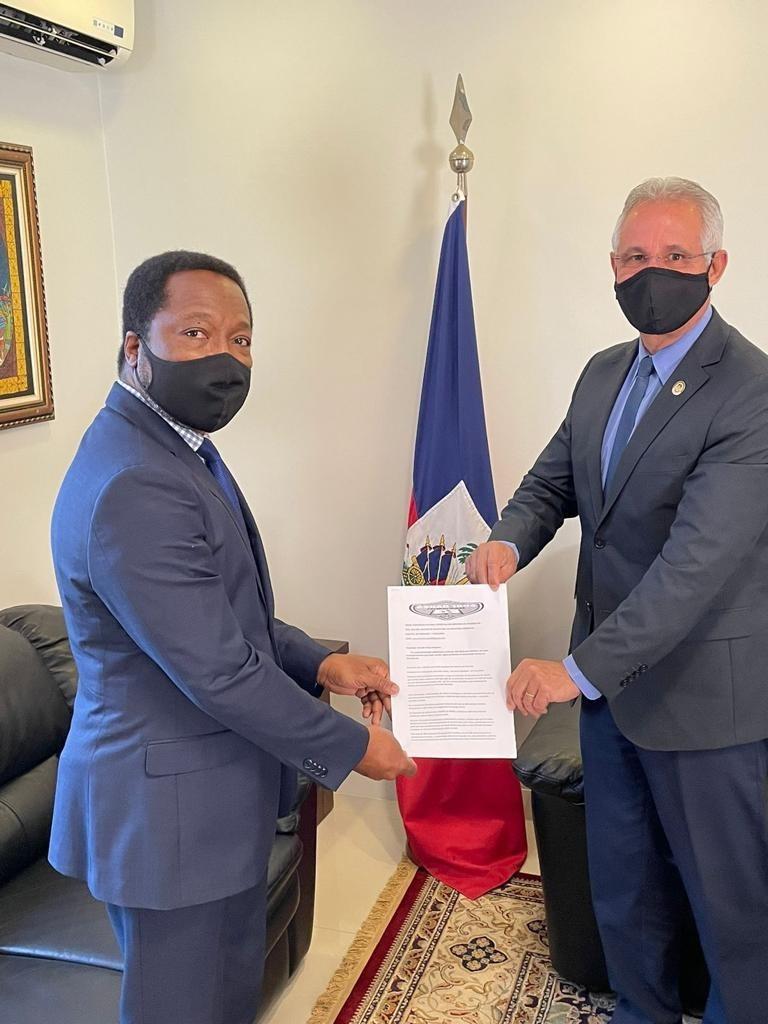 Em agenda na Embaixada do Haiti, Sergio Nogueira pede regularização dos haitianos que residem em Dourados -