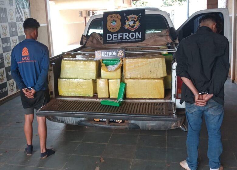 Irmãos do tráfico são presos pela Defron com quase 1 tonelada de droga - Crédito: Cido Costa