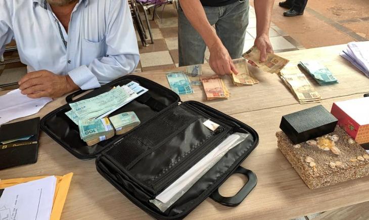 Operação apreende carros e R$ 252 mil em Maracaju; ex-prefeito segue foragido - Crédito: Divulgação