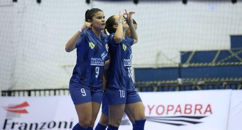 Equipes de MS começam Copa do Brasil de Futsal Feminina com vitória e empate - Crédito: Mauricio Moreira/CBFS