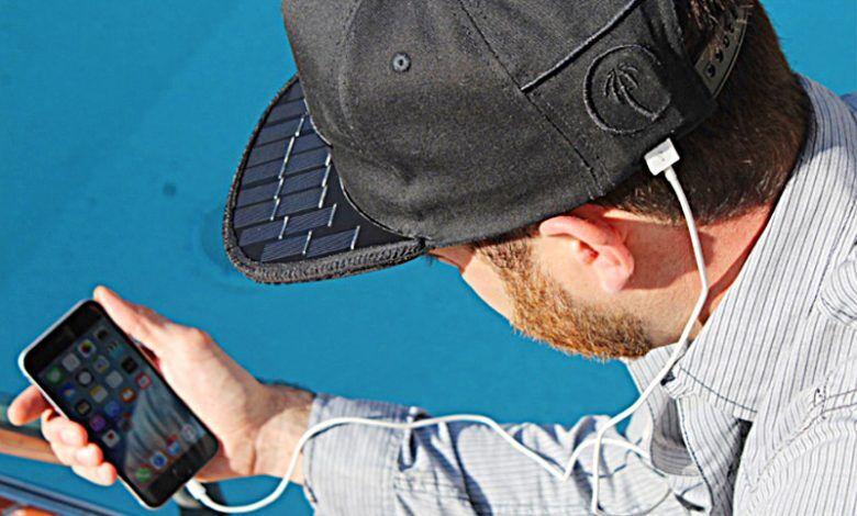 Empresa cria boné solar, que pode carregar seu celular - Crédito: Foto/Reprodução internet