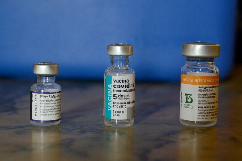 SES autoriza aplicação da segunda dose da Pfizer para quem tomou Astrazeneca e Coronavac - Crédito: Adriano Ishibashi/Framephoto/Estadão Conteúdo