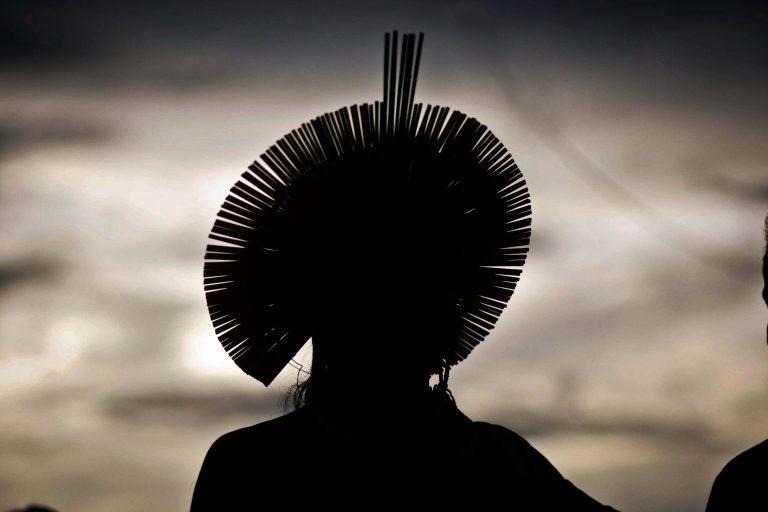 Em liminar, Barroso proíbe entrada de missões religiosas em terras indígenas -
