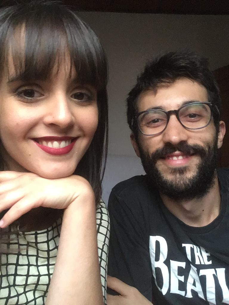 Louise e Pedro começaram o namoro via aplicativo - Crédito: Divulgação