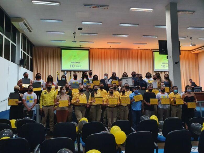 Agetran completa 10 anos e é homenageada na Câmara Municipal de Dourados -