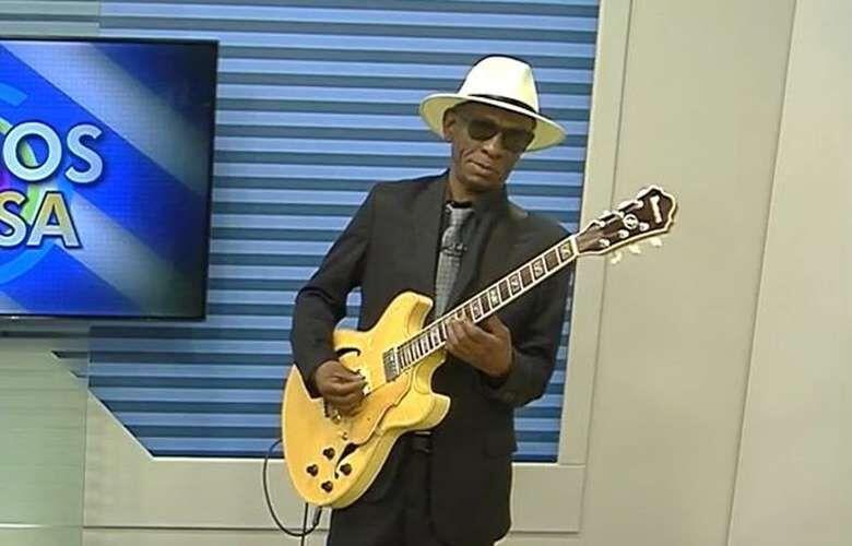 """Zé Pretim, que faleceu na última quinta-feira, era considerado o """"bluesman pantaneiro"""" - Crédito: Crédito: Reprodução/TV Morena"""