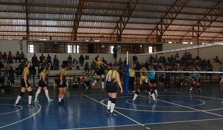 Naviraí, Sete Quedas e Dourados avançam na Liga MS de Voleibol - Crédito: Divulgação/FVMS
