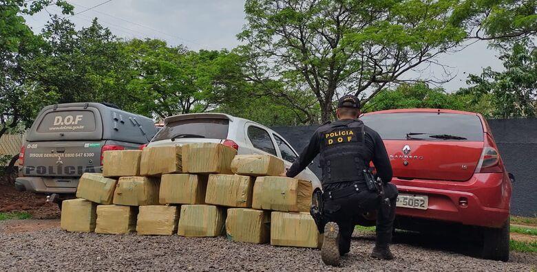 DOF apreende 400 kg de maconha que eram transportados em Sandero - Crédito: Divulgação/DOF