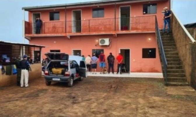 Brasileiros foram presos em uma casa na região de Cerro Cora'i - Crédito: divulgação/pontaporanews