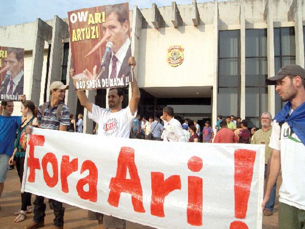 Prefeito é preso acusado de corrupção -