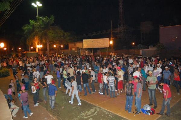 Paquera na Avenida de Itaporã nos domingos à noite atrai pessoas de diversas cidades da região. Foto: divulgação -