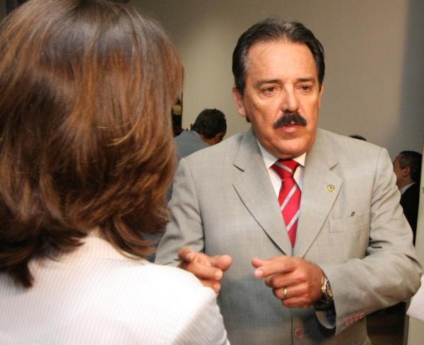 Deputado Arroyo, relator do projeto, marcou reunião para a próxima 4ª feira Foto:Giuliano Lopes  -