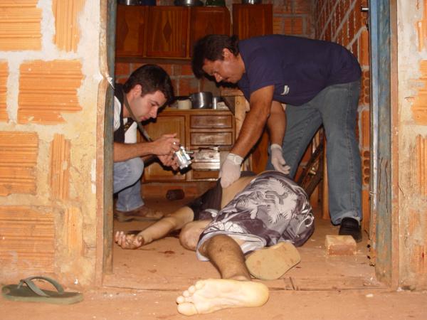 Japonês foi morto numa residência na Vila Cachoei-rinha Foto: Sidnei L. Bronka  -