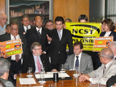 Marçal Filho usando a palavra na reunião que aconteceu na Câmara com as centrais sindicais Foto: Bruno Diniz -