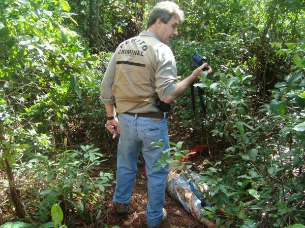 Perícia encaminhou corpo de indígena para o IML de Dourados  Foto: Cido Costa   -