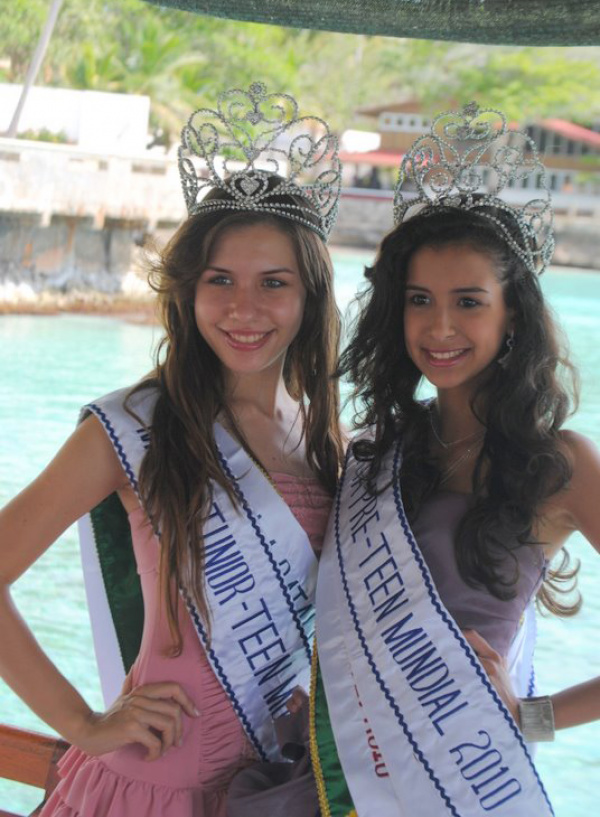 Luiza e Thaís no concurso Miss Beleza  Mundial -