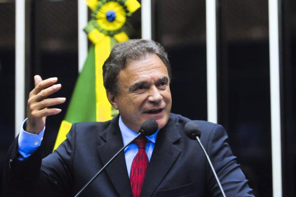 Álvaro Dias, em pronunciamento da tribuna do Senado, faz críticas ao governo Foto:Geraldo Magela – Agência Senado  -