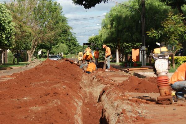 Sanesul já concluiu 64% das obras de coleta de esgota e distribuição de água em Dourados Foto: Divulgação   -