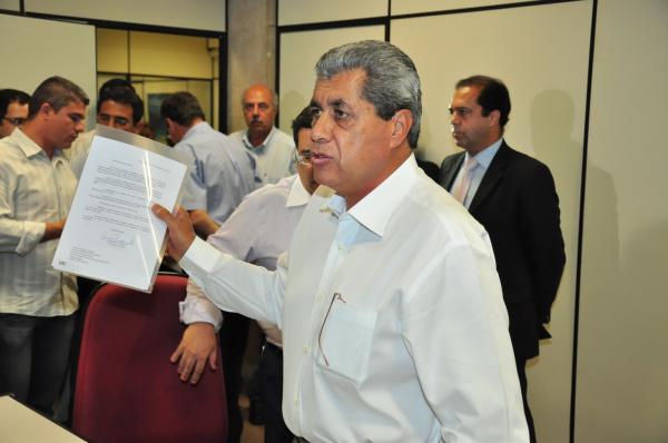 André Puccinelli anunciou ontem que vai processar o deputado Dagoberto Nogueira  Foto: divulgação   -